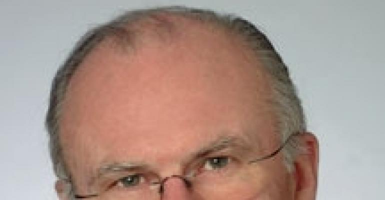 Veteran Advisor Leaves Retirement to Answer Pensioners' Calls