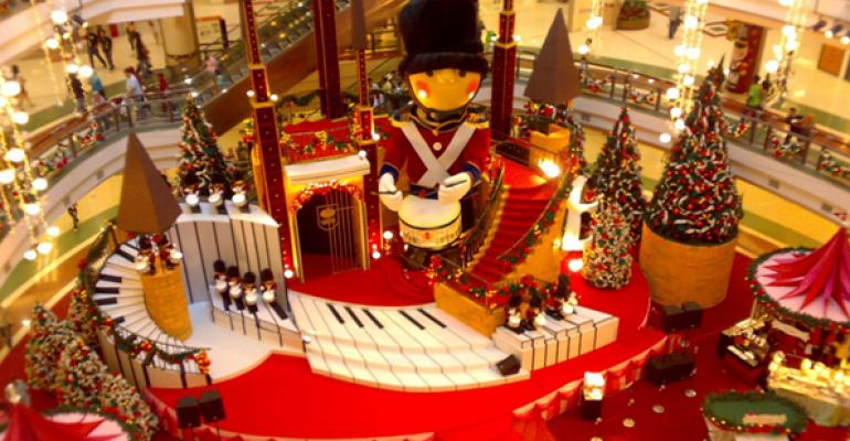Malls Pull Out All the Online Stops to Boost Holiday Sales
