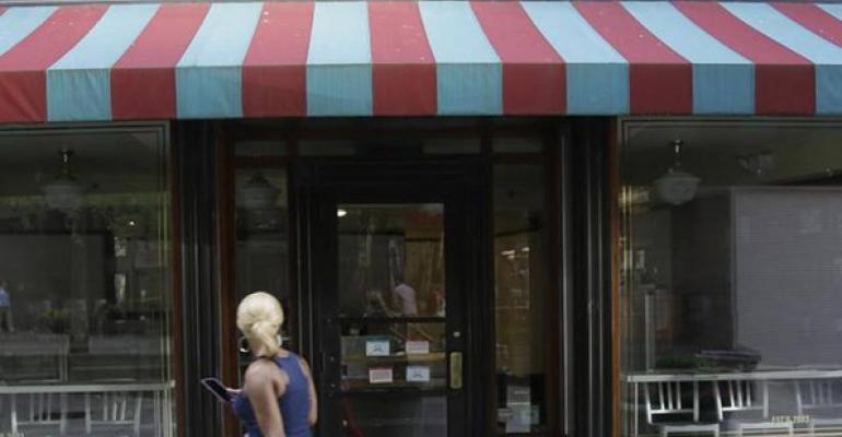 Everyone Offers Crumbs of Wisdom as Cupcake Shop Closes Doors
