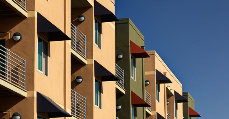 Lots of Renters Balance Lots of New Apartments