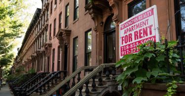 apartments-rent-sign.jpg