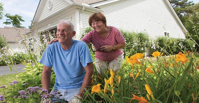 senior-couple-gardening
