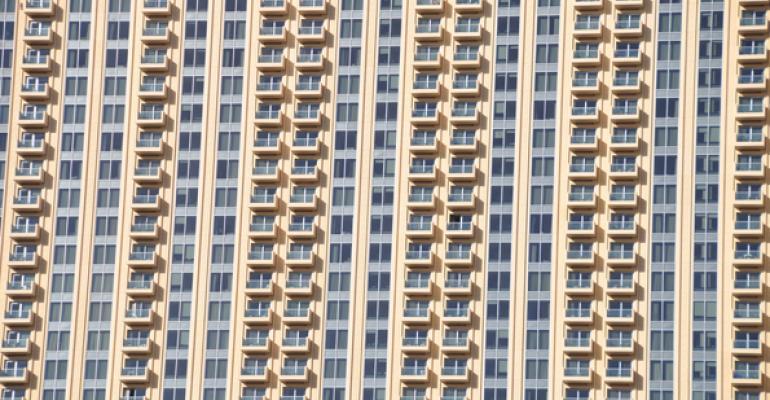 Investors Keep Piling Into Apartments