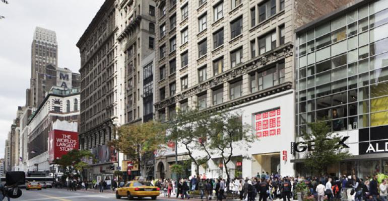 Manhattan Landlords Are Turning to Giveaways for Retailers